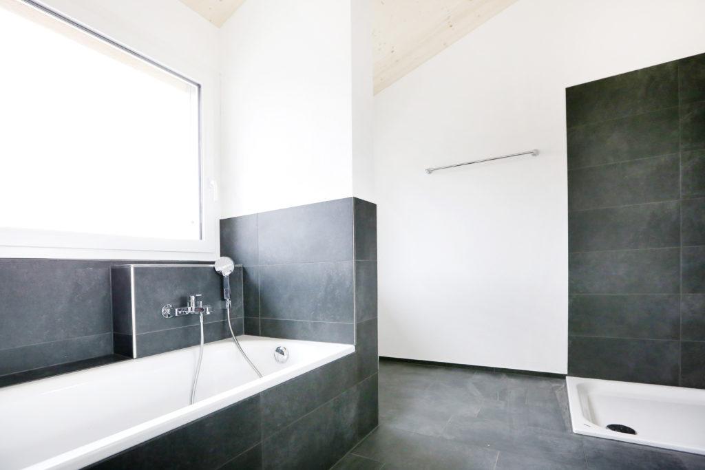 Badezimmer Badewanne Dusche