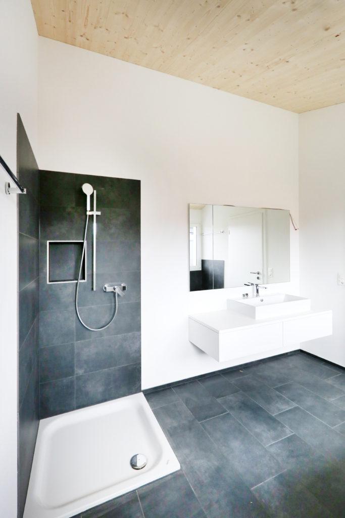 Badezimmer Dusche Badmoebe