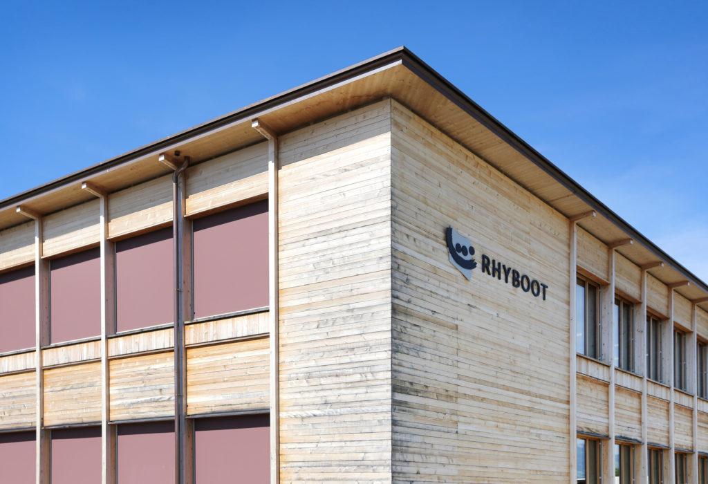 Rhyboot Holzfassade