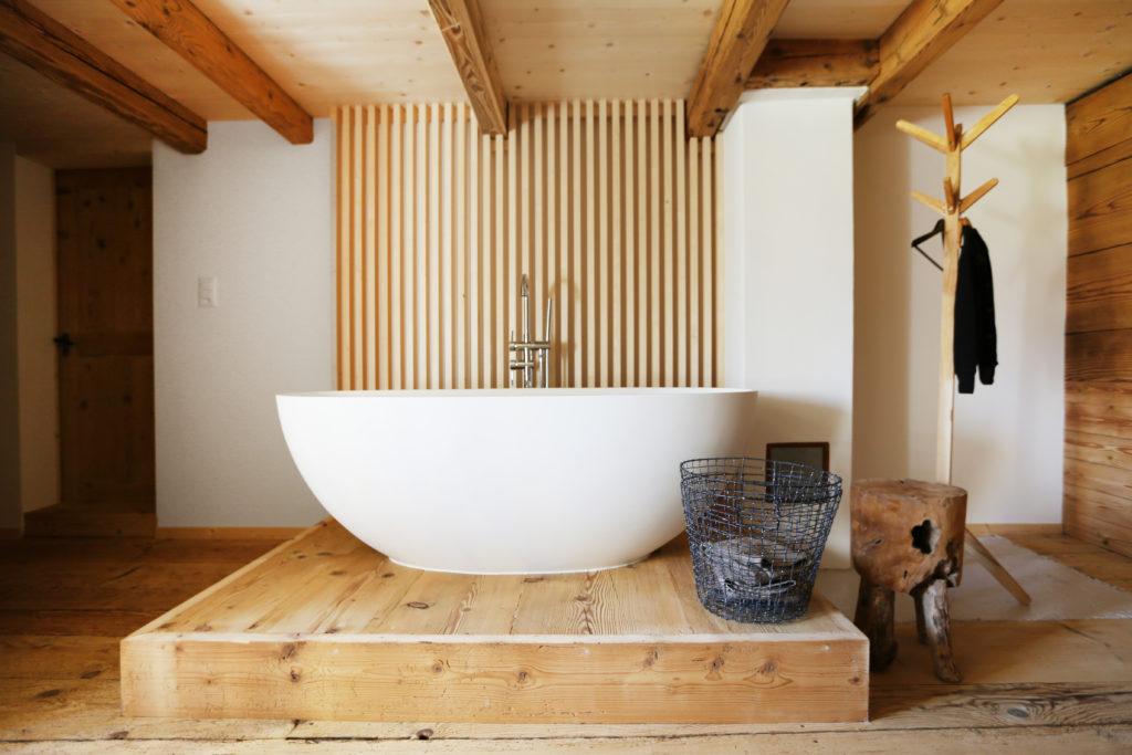 Badewanne Holzsockel