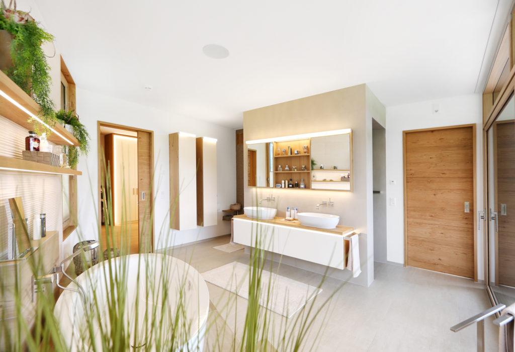 Badezimmer Badmoebel Holztuere Eiche Furniert