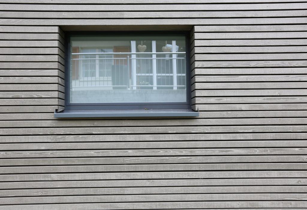Holzfassade Tanne Kunststoff Aluminium Fenster