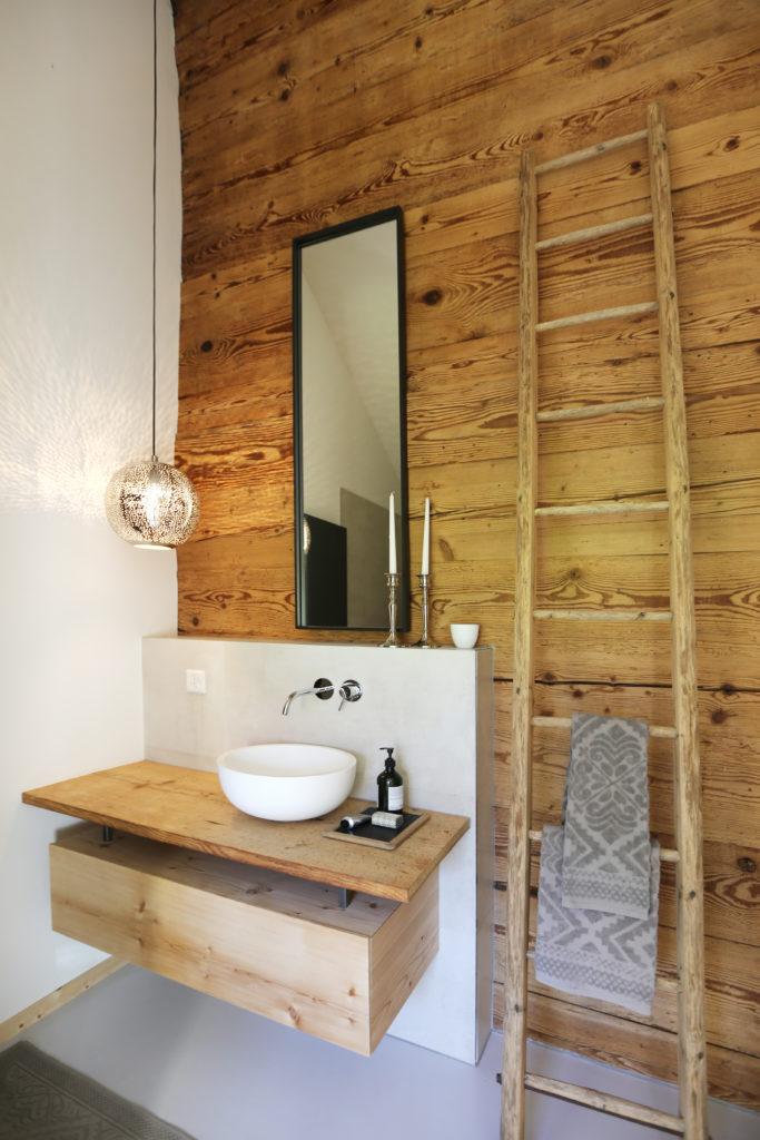 Lavabo Badmoebel Holzwand