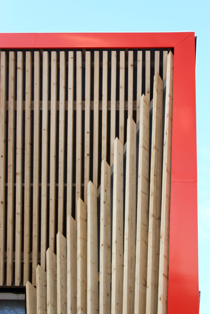 Sport Sprecher Holzfassade