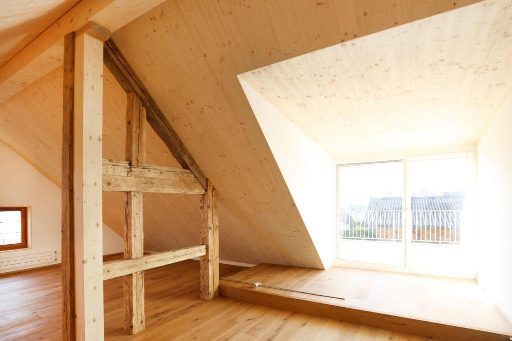 Umbau Dachstock Holz