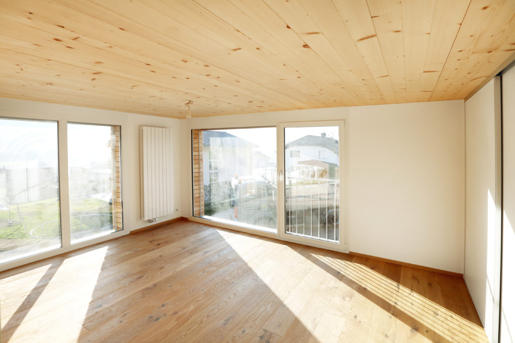 Umbau Holzboden Holzdecke Kunststoff Fenster