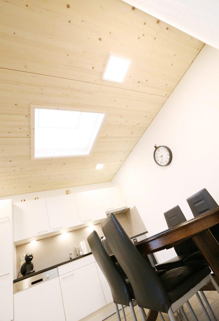 Holzbau Dachfenster Kueche