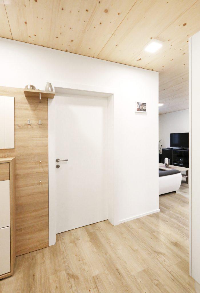 Holzbau Eingangsbereich