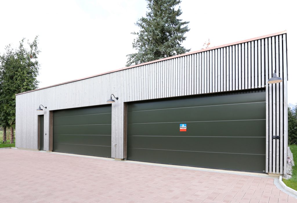 Neubau Garage Holzbau Holzfassade