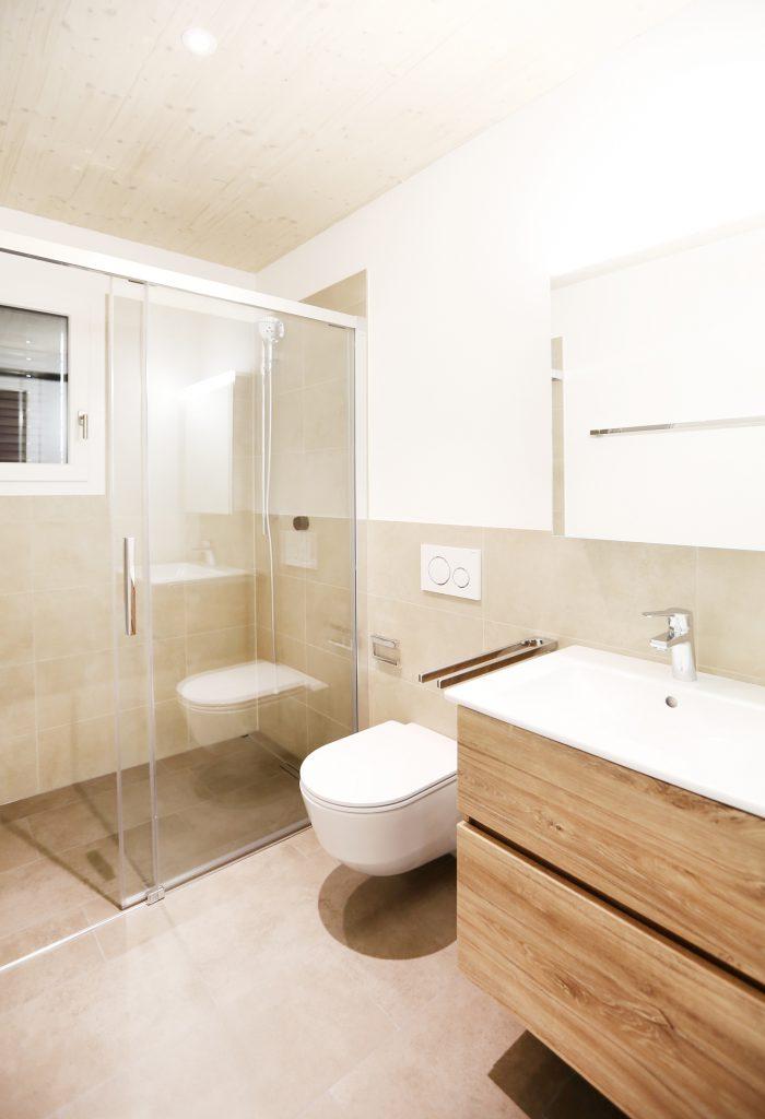 Neubau Einfamilienhaus Badezimmer Badmoebel Span Eiche Furniert